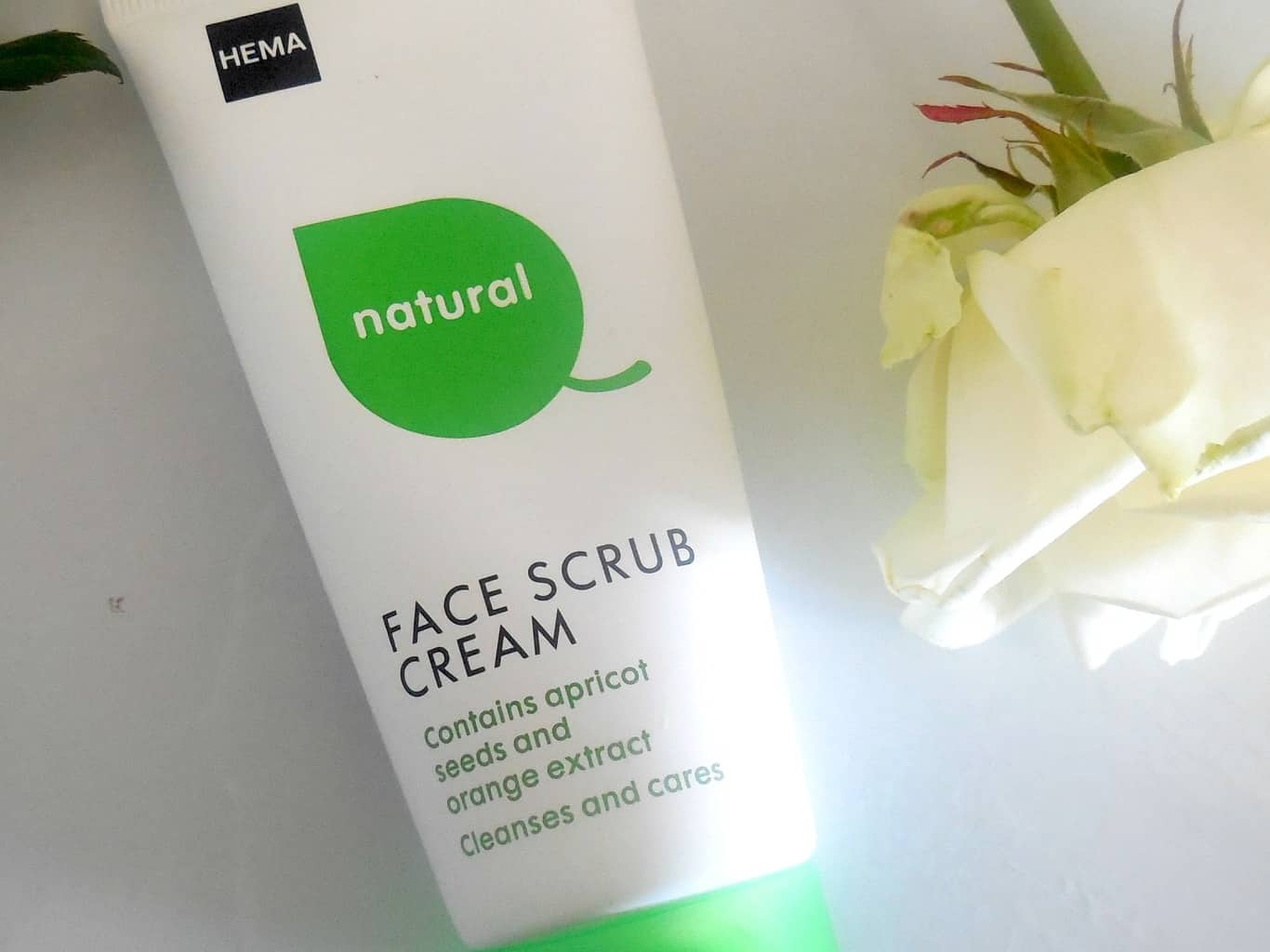 HEMA Natural Face Scrub Cream